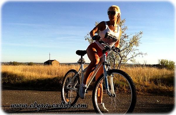 foto14 Sexy andando de Bicicleta
